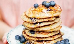Flour-free banana and coconut pancakes