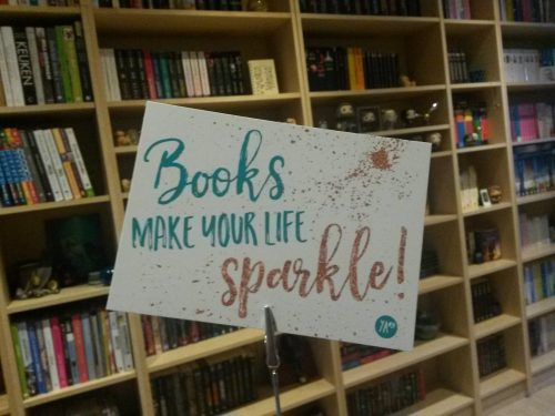 booksmakeyourlifesparkle